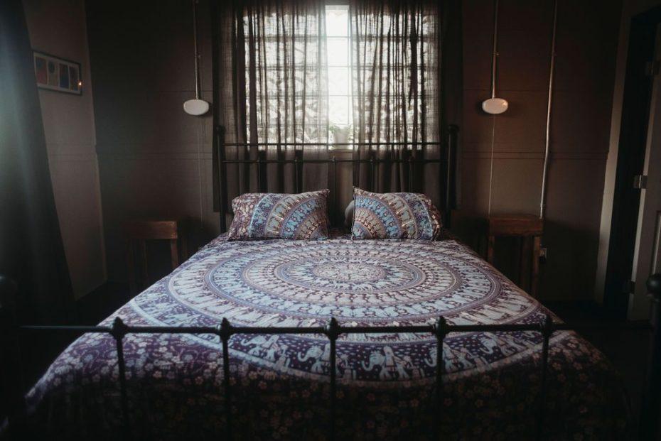 queen five start hotel room