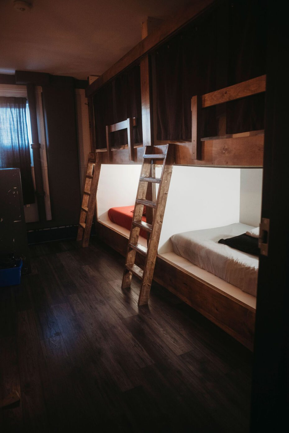 clean, safe, spacious single, dormitory beds, family friendly
