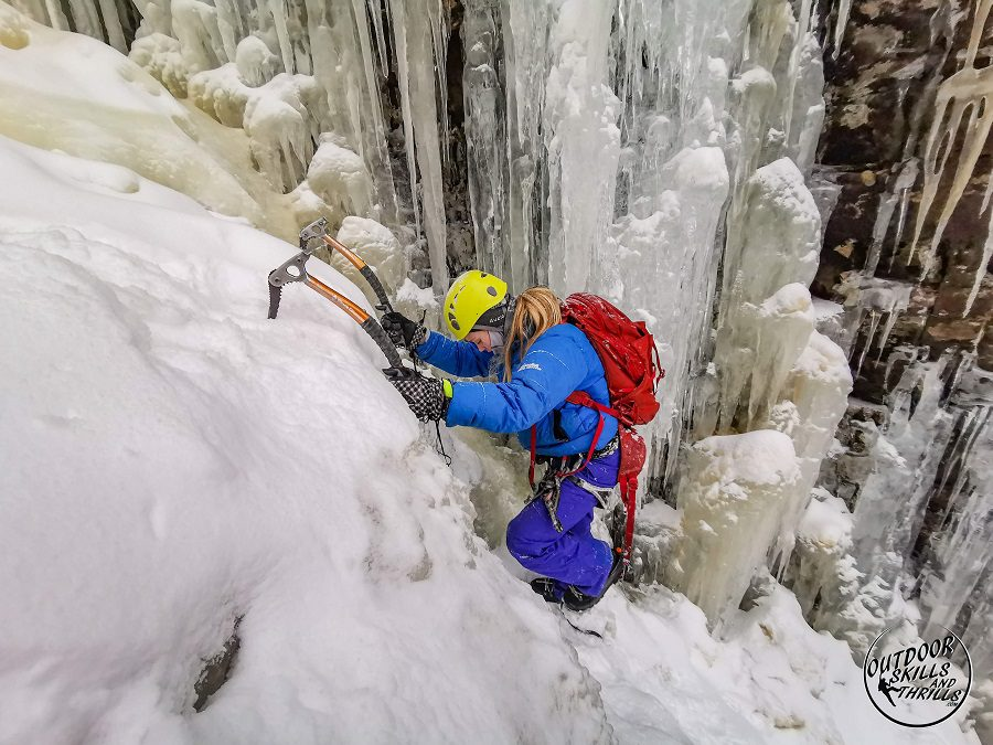 ice climb thunder bay ontario hostel the haven hostelling international